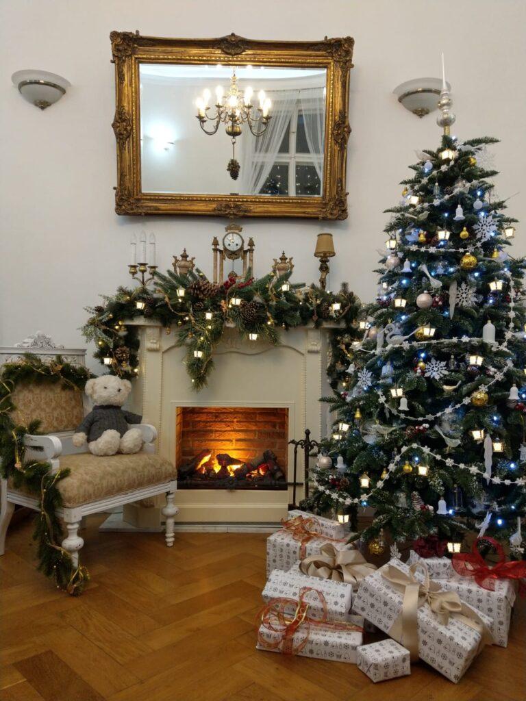 Vánoční lucerničky: Příběh dvou bratrů, kteří vrátili na vánoční stromečky tradici